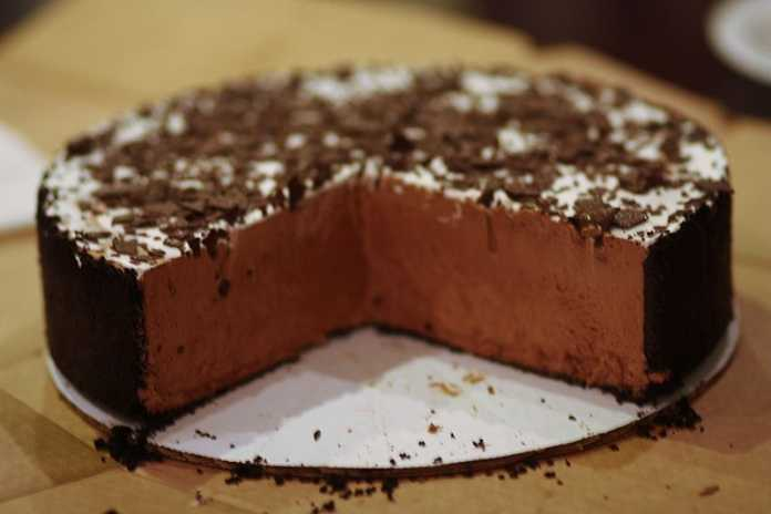 Cheesecake com creme de chocolate