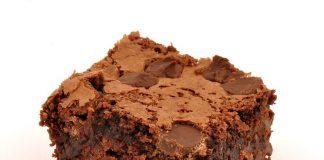 brownie de chocolate com nozes
