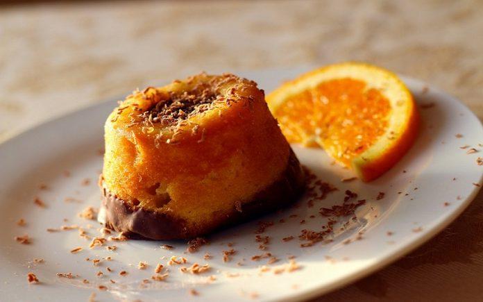 Bolo Pudim de chocolate e laranja