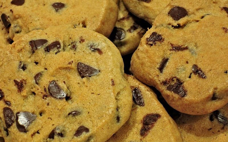 Cookies de Morango e Chocolate