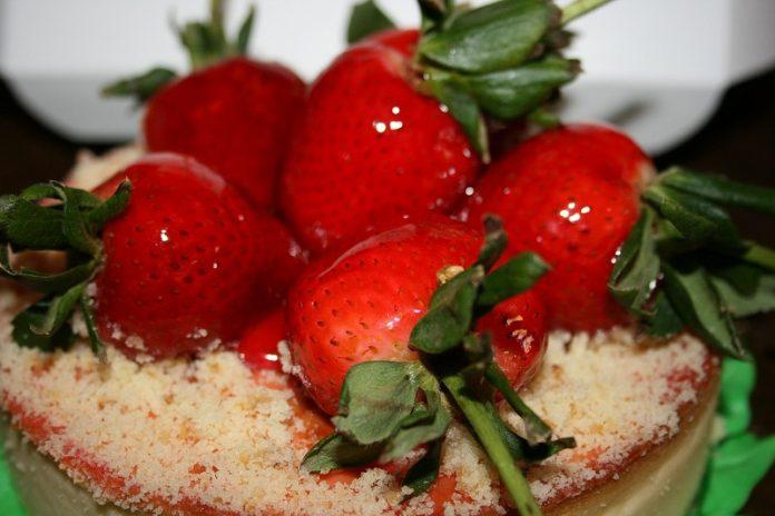 Mini-cheesecakes de morangos