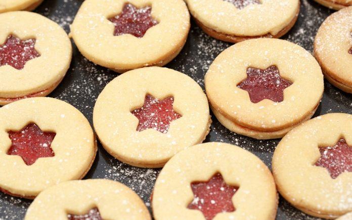 Biscoitos de pasta de amendoim e geleia