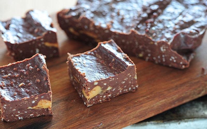 Fudge de chocolate e creme de amendoim