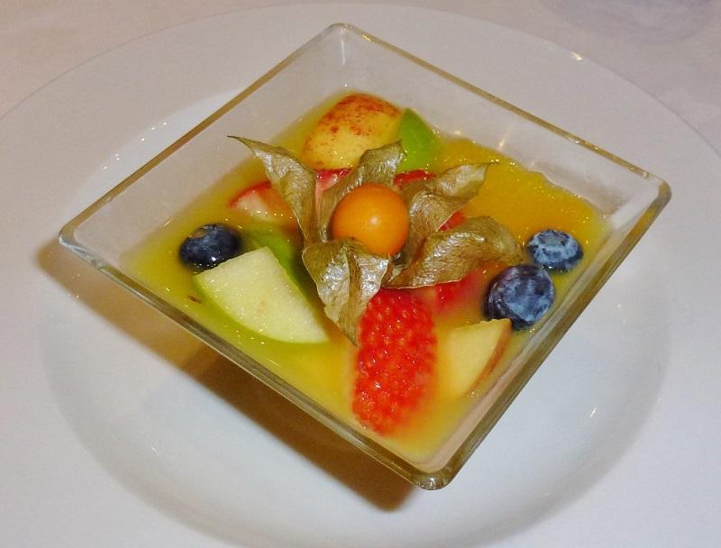 Salada de frutas e gelatina