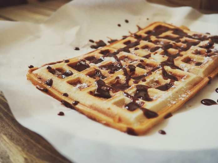 Waffles vegan com creme de chocolate