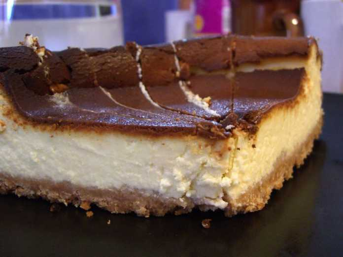 Cheesecake de gelatina e chocolate