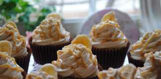 Cupcakes de banana e canela