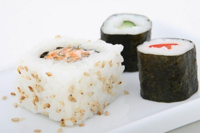 Sushi de frutas doce